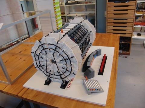 2011-11-10 10-25-41 ATLAS model