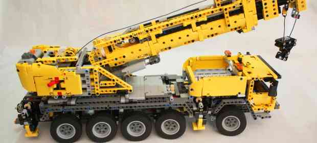 LEGO Technic 42009 Mobile Crane MKII Review