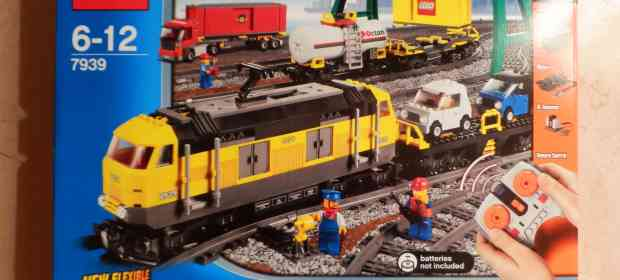 LEGO 7939 Cargo Train Review