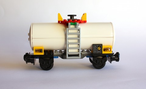 lego-7939-cargo-train-chemical-car
