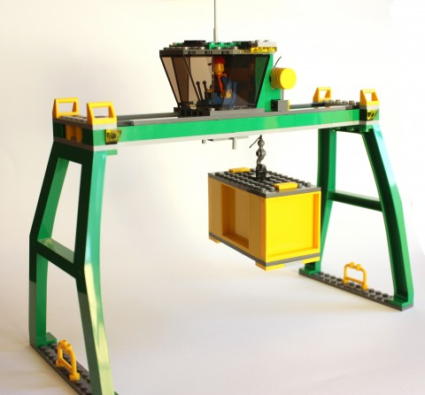 lego-7939-cargo-train-crane-with-container