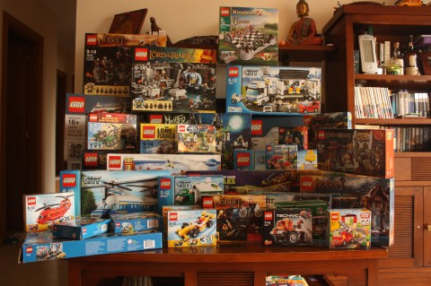 lego-heap-lots-of-lego