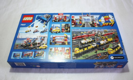 lego-7937-train-station-back