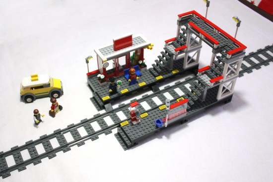 lego-7937-train-station-set