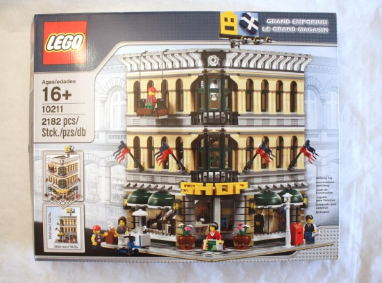lego-10211-grand-emporium-box
