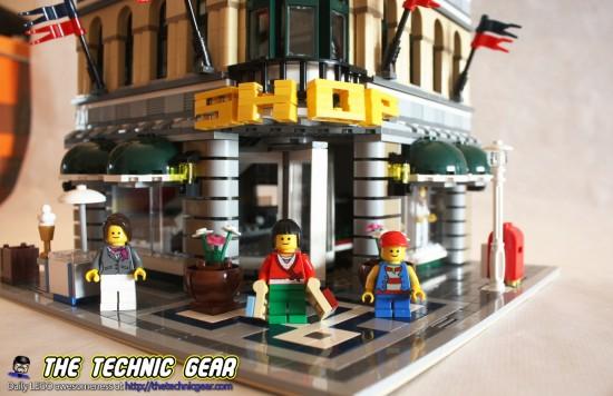 lego-10211-grand-emporium-front