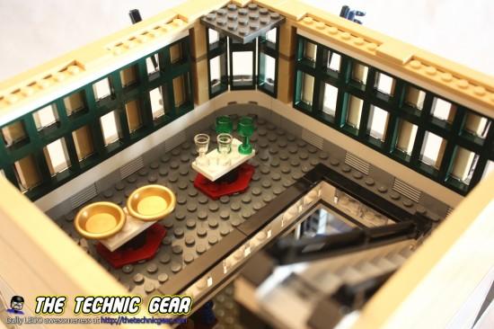 lego-10211-grand-emporium-glassware