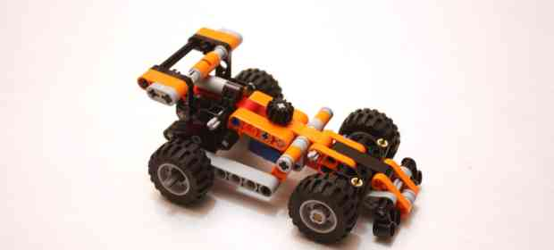 LEGO 9390 Race Car Review