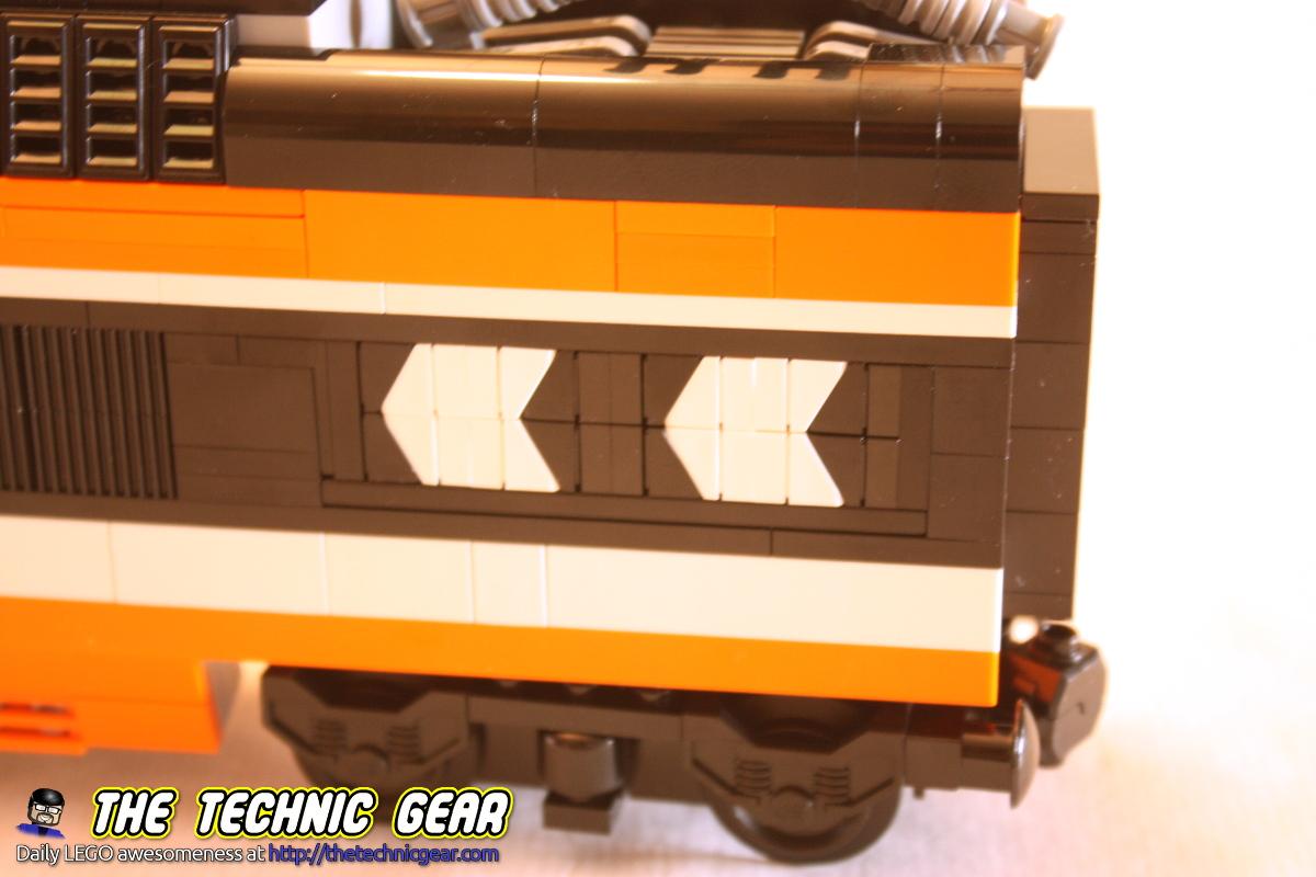 lego-horizon-express-locomotive-arrows