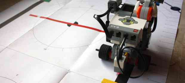 HOWTO create a Line Following Robot using Mindstorms