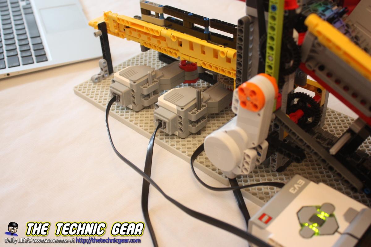 mandm-sorting-machine-first-version-motors