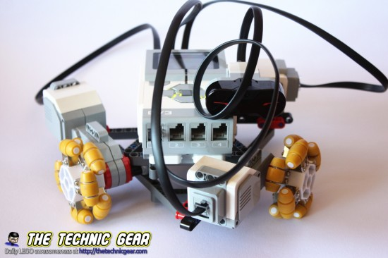 three-wheels-holonomic-robot
