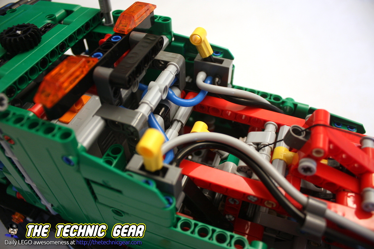 42008-service-truck-levels-details