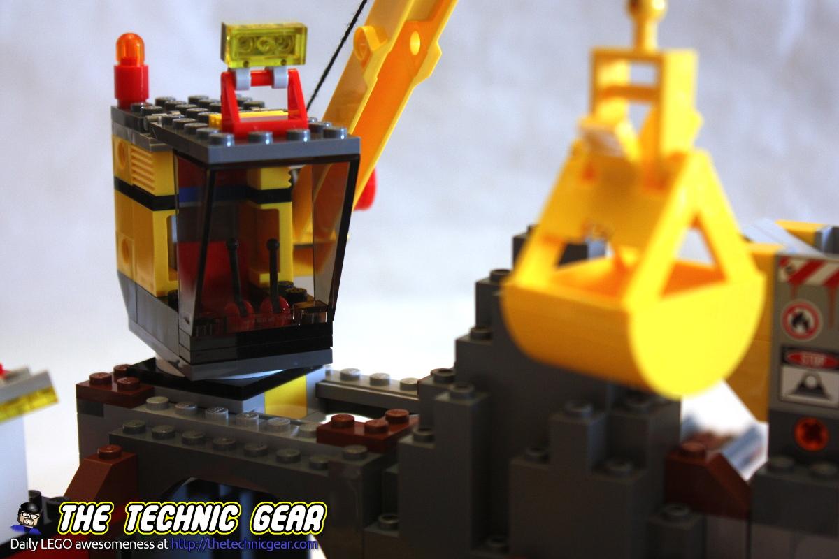 4204-gold-mine-crane