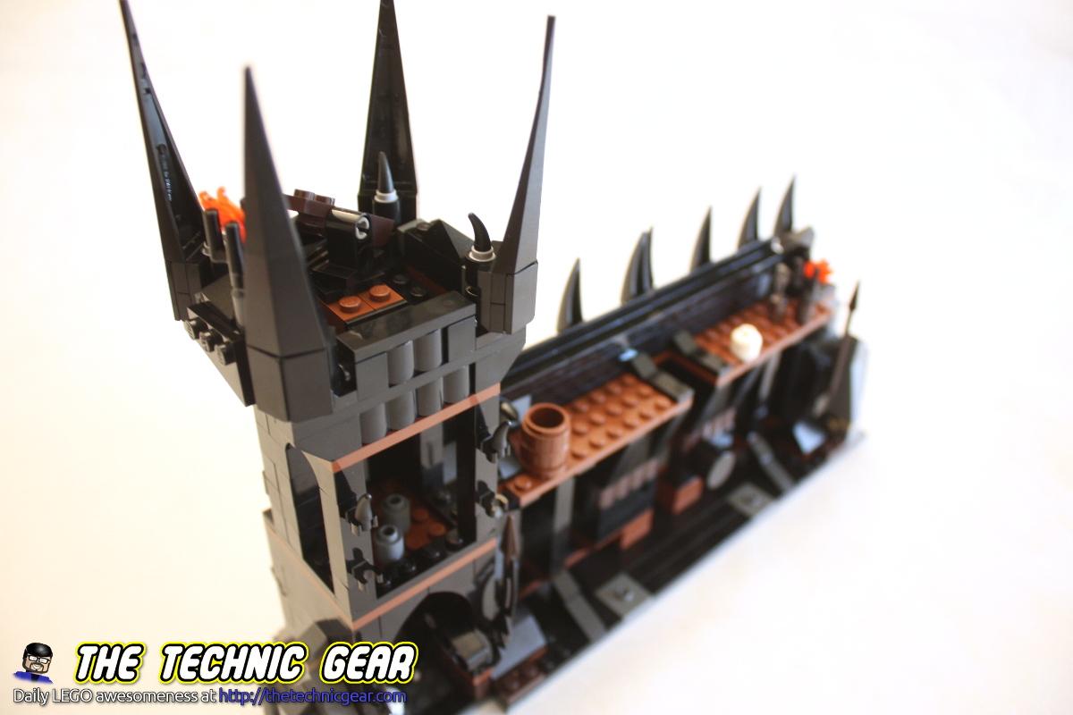 79007-battle-at-the-black-gate-tower-back