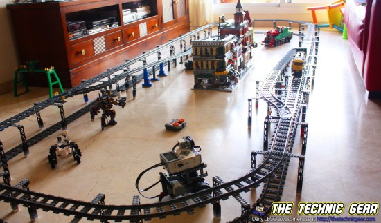 double-level-lego-train-track-with-slopes