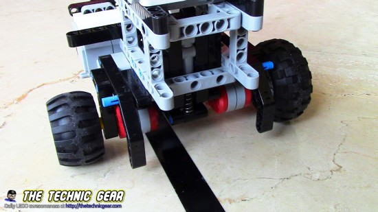 different-size-wheels-differential-drive-lego-robot