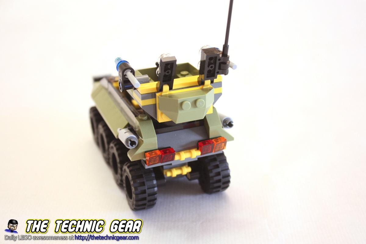 76017-captain-america-vs-hydra-tank-back