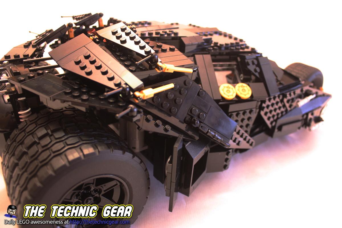 lego-76023-tumbler-details