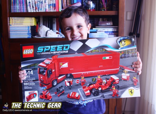 lego-75913-ferrrari-f1-f14-truck-happy-child
