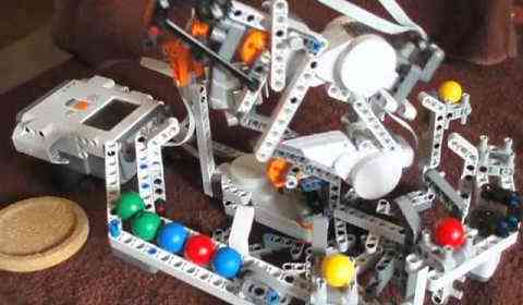 LEGO Mindstorms Arm: Sorting color balls like a PRO