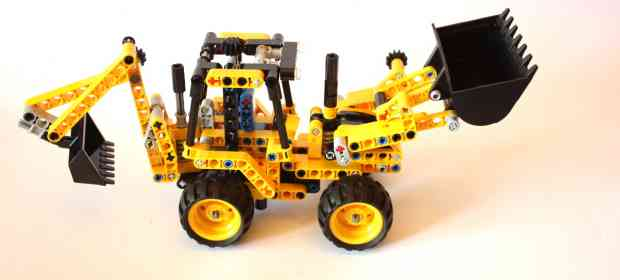 LEGO Technic 42004 Backhoe Loader Review