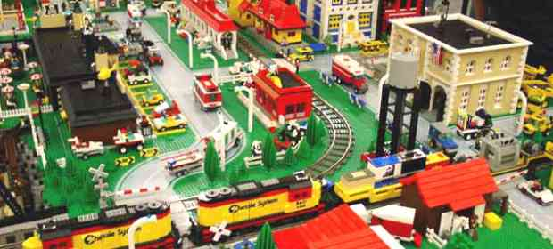 The Best LEGO Trains Videos from Youtube