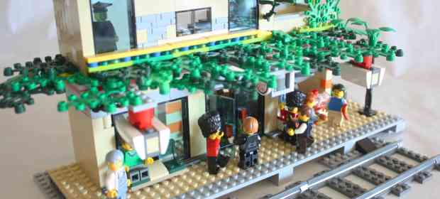 LEGO MOC: Two storey LEGO Train Station