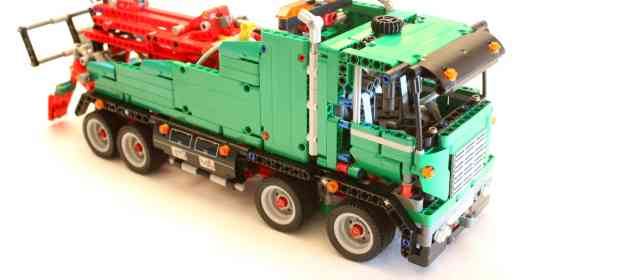 LEGO 42008 Service Truck Review